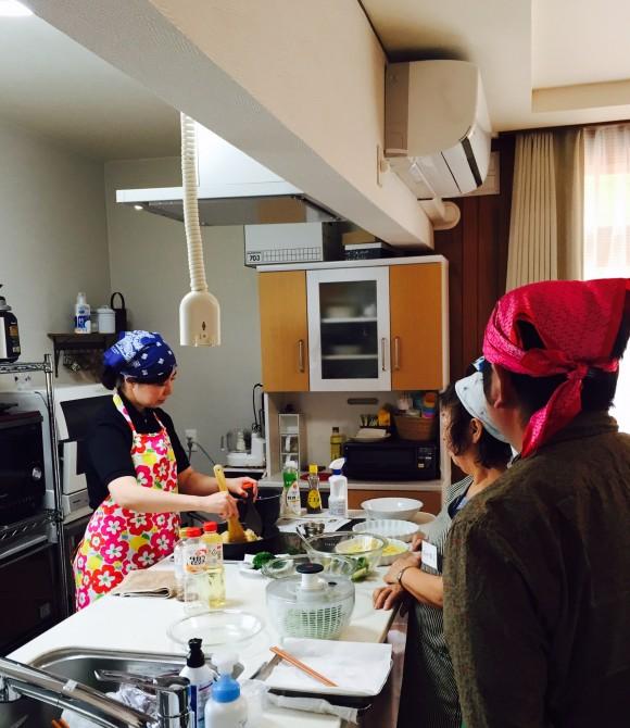 料理教室も毎月やってますよー。