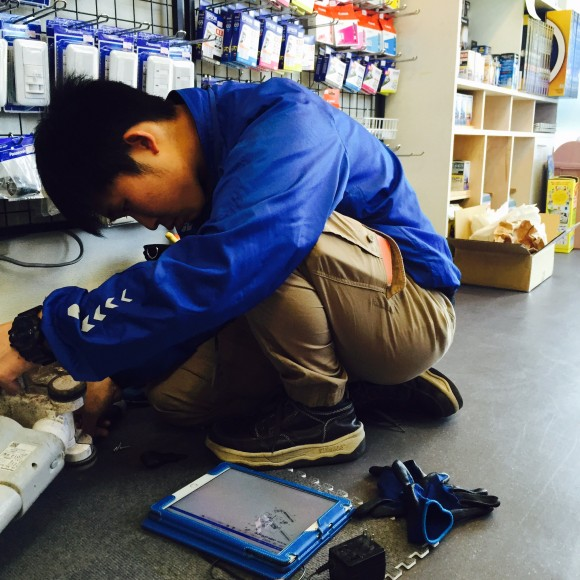 スタッフ小川君は自分の持ち場で自分の仕事をします