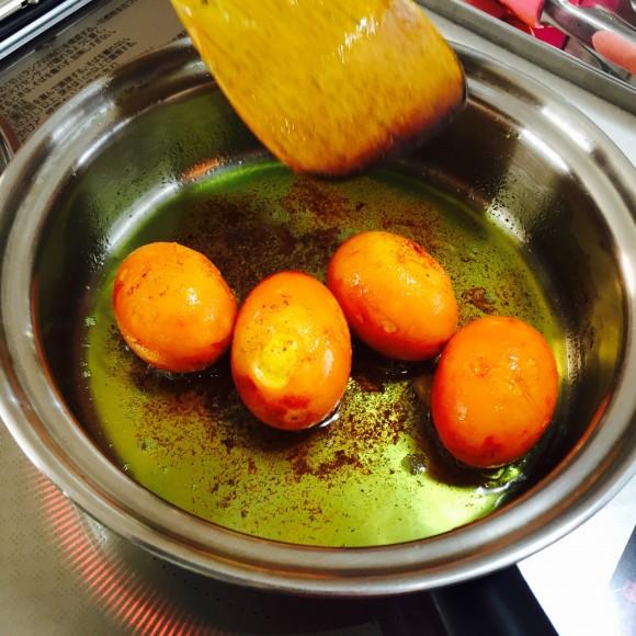ビストロで作るゆで卵はふわふわしてて美味しいのだ