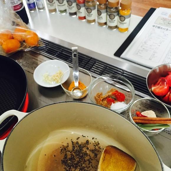 カレールウを使わずスパイスだけで作るスープカレー