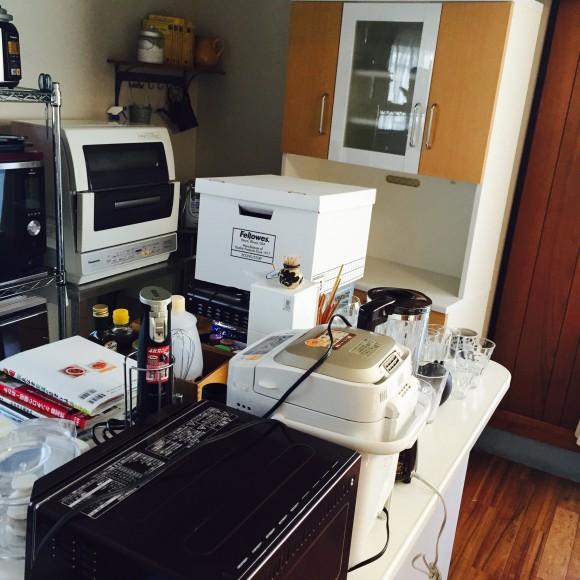 食器棚動かすのに全部出した